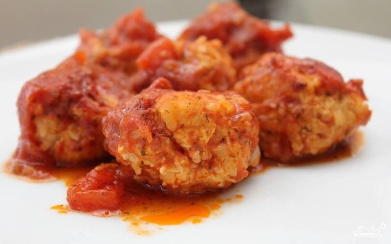 Рис с куриным фаршем и помидорами