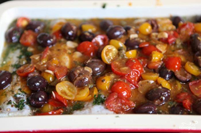 Солим, перчим и выпекаем 15-20 минут при 200 градусах до готовности. Приятного аппетита!