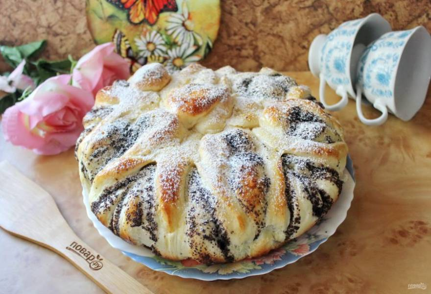 Ажурный пирог с маковой начинкой готов. Приятного чаепития!