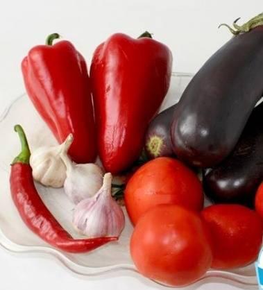 1. Сезон овощей наступает. Скоро хозяйки начнут делать заготовки на зиму. Хочу посоветовать потрясающий рецепт баклажанов в аджике на зиму в домашних условиях. Подготовьте продукты.