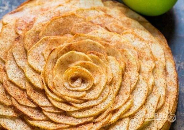 5. Выпекайте тарт 30 минут при температуре 180-200 градусов.