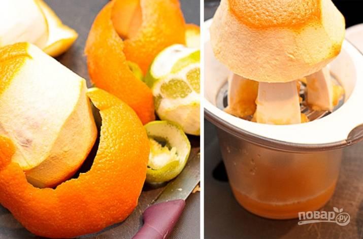2.Очистите фрукты от кожуры, выдавите сок апельсина в отдельную емкость.