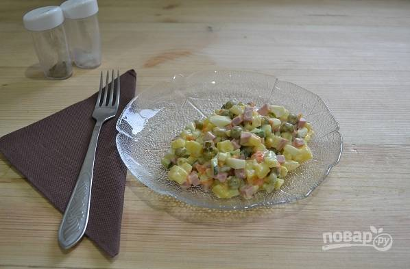 16. По желанию можно салатик посолить или поперчить немного по вкусу. Угощайтесь!