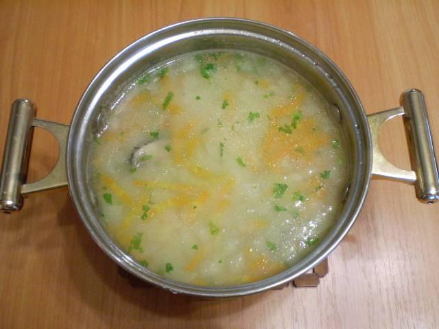 7. Суп из рыбных голов готов. При варке супа учтите сорт рыбы, из жирных сортов выйдет более калорийный суп. Приятного!