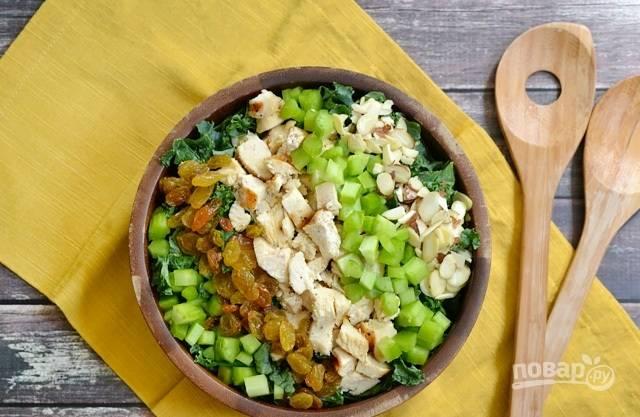 Все ингредиенты смешайте. Добавьте в салат заправку. Тщательно перемешайте. Приятного аппетита!