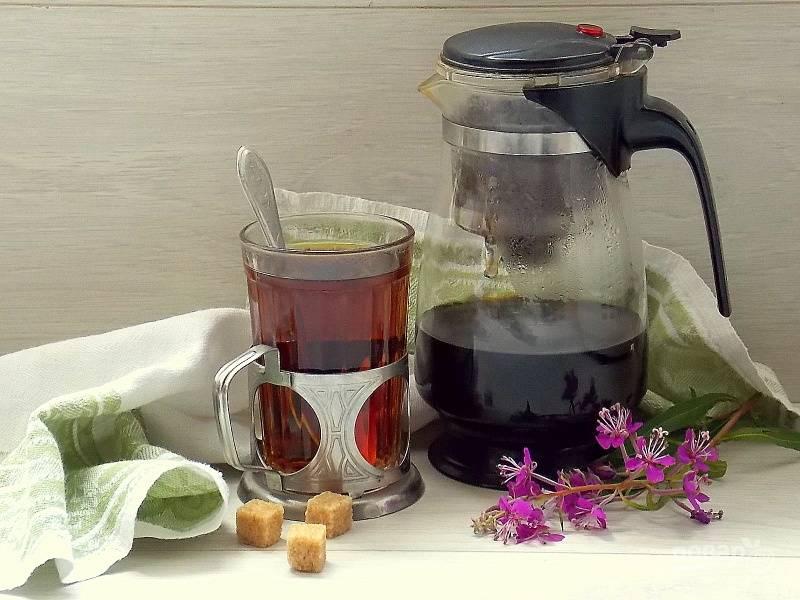 Возьмите 2 чайных ложки чая, залейте 300 мл кипятка и настаивайте 30 минут. Приятного чаепития!