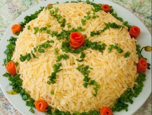 3. Украшаем сверху тертым сыром, зеленью или чем душа пожелает!