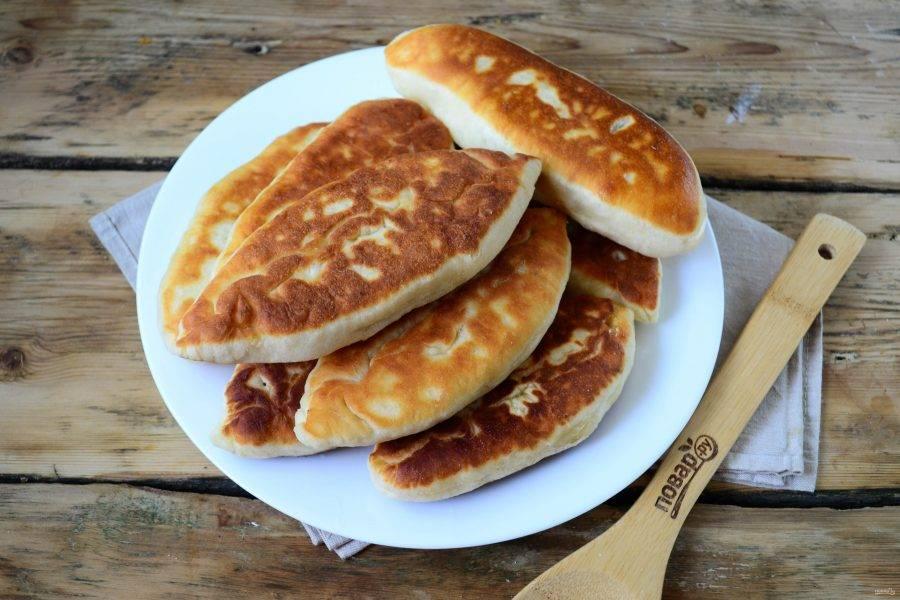 Пирожки со сливой на сковороде готовы. Вкусные они как теплыми, так и остывшими. Кушайте с удовольствием!