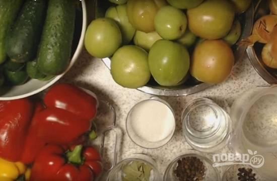 Из данного количества продуктов у нас получится около 3 л салата.