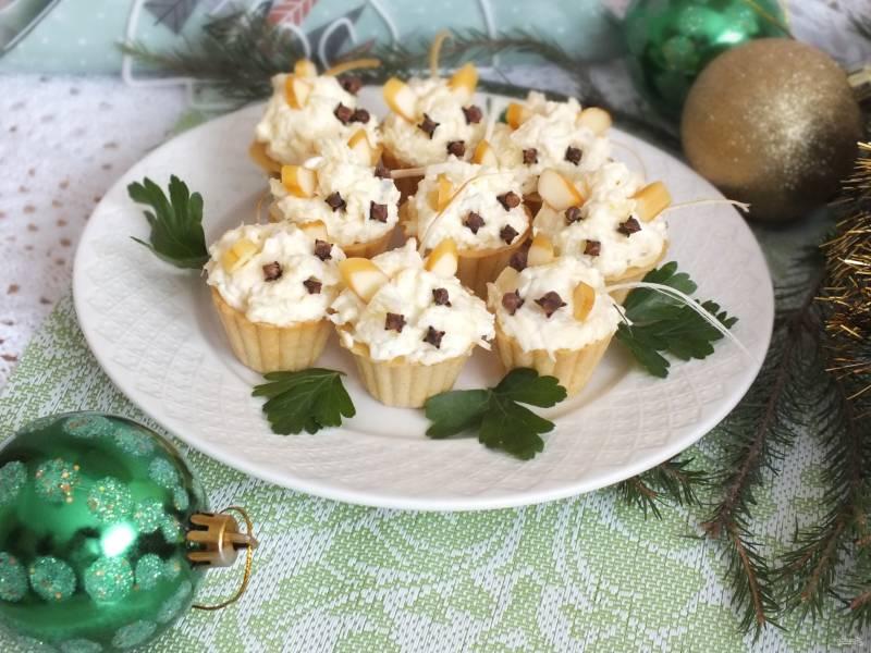 """Новогодние тарталетки """"Мышки"""" с сырной начинкой"""
