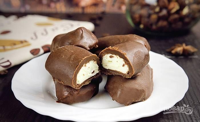 Уберите десерт ещё на 30 минут в морозильник, а потом подавайте. Приятного чаепития!