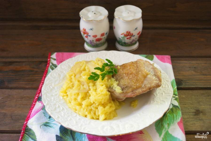 Рис с курицей и ананасами