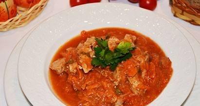 6. Вот такое блюдо у нас получилось. Его можно подавать и как самостоятельное, но такое мясо лучше вкушать с гарниром.