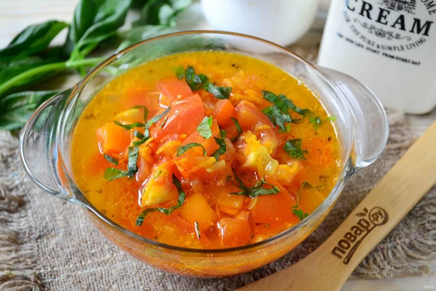 Томатный суп из печки с базиликом