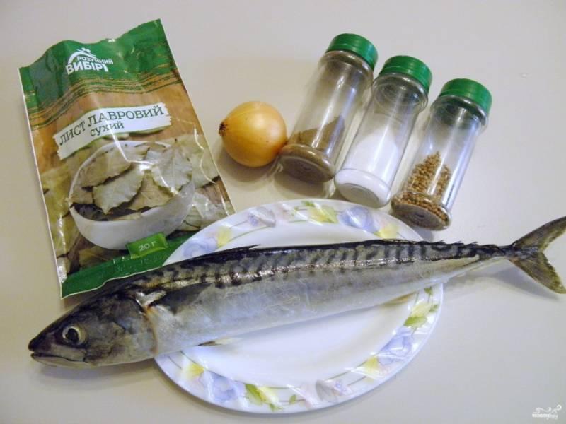 1. Подготовьте специи, разморозьте рыбку и вскипятите литр воды, приступаем!