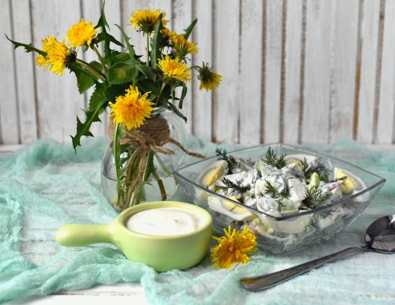 Летний салат с редисом и черемшой