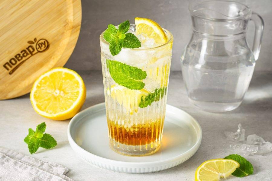 Содовая с лимоном готова!