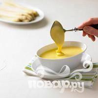 Добавьте по вкусу соль, перец и лимонный сок и сразу же подавайте. Приятного аппетита.