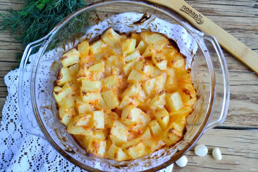 Картофель, запеченный с майонезом и чесноком
