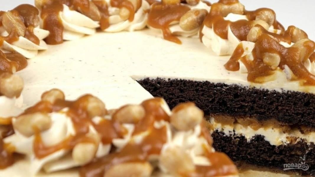10. Отправьте в холодильник на 2-3 часа. За 30 минут до подачи достаньте торт из холодильника. Приятного аппетита!