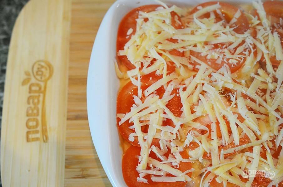 6. Затем — часть натертого сыра.