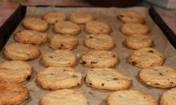 """11. Вот и весь простой рецепт печенья """"Эсмеральда"""". Теперь его можно немного остудить и угощать им всех желающих."""