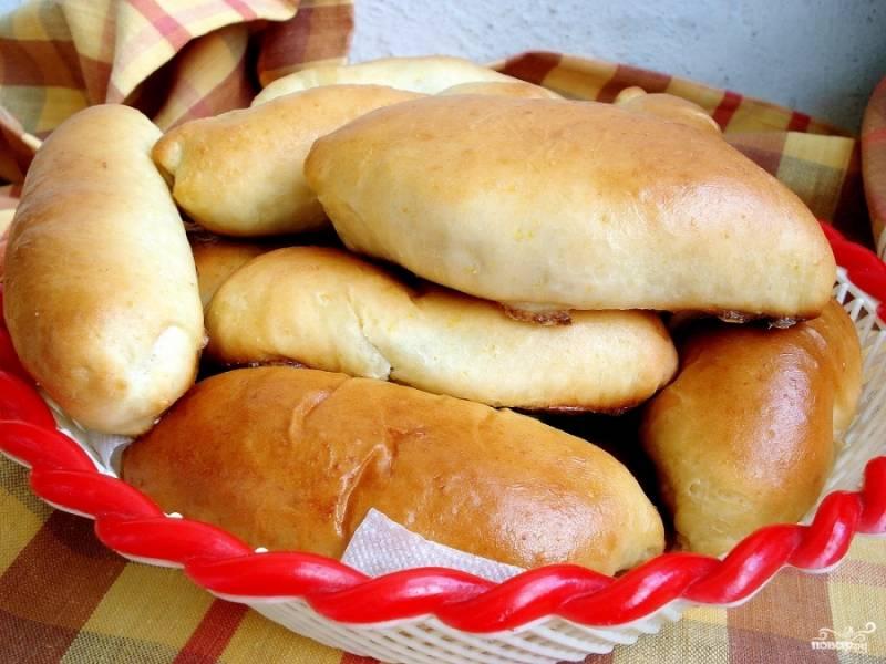 Готово! Радуем близких пирожками с картошкой в духовке. Приятного аппетита)