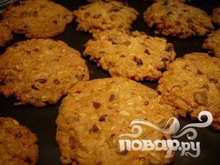 Овсяное печенье с миндалем и шоколадом