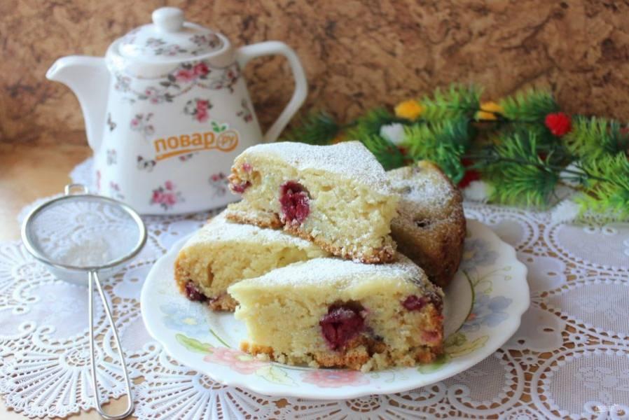 Постный пирог на рассоле готов. Можно подавать к чаю, кофе. Приятного аппетита!