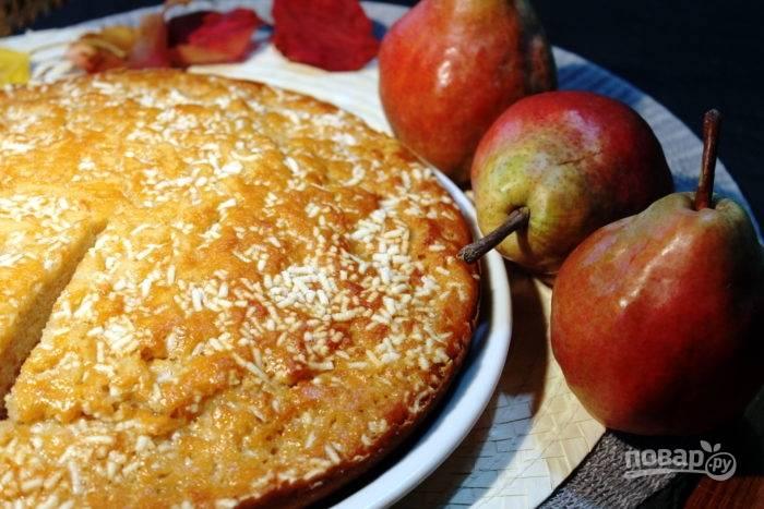 9.Выпекайте пирог при температуре 180 градусов около 40 минут. Приятного аппетита!