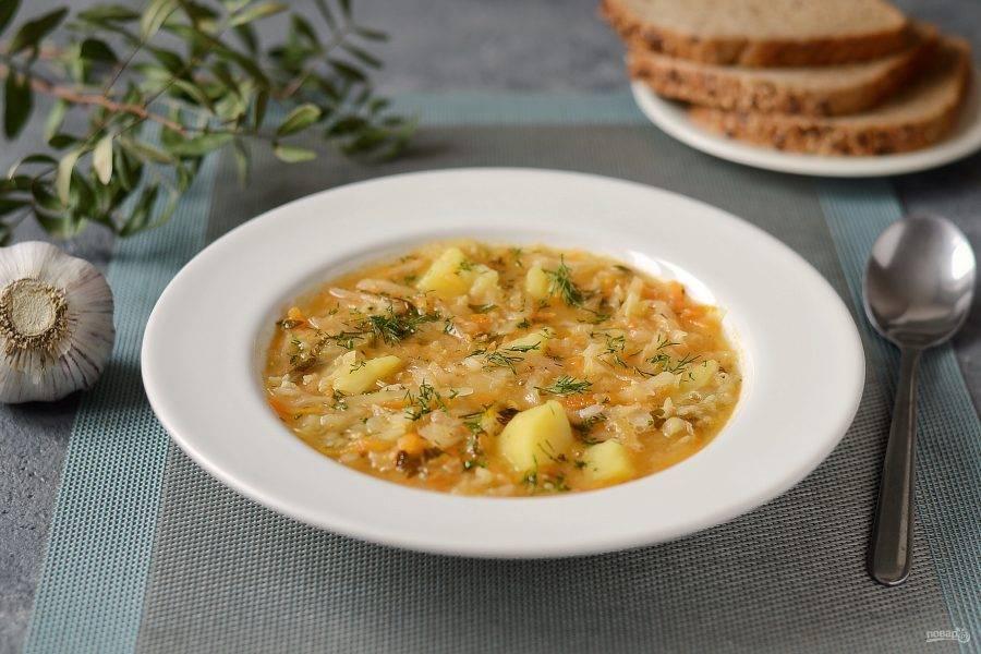 Щи из квашеной капусты с чечевицей готовы, приятного аппетита!