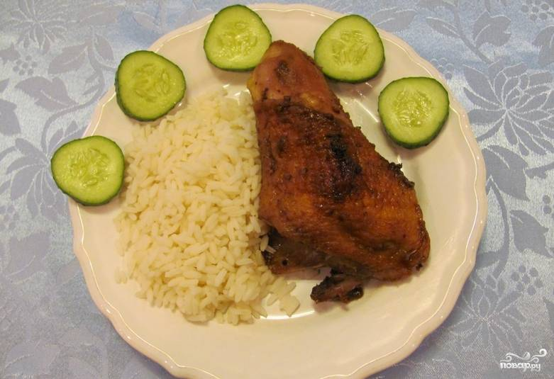 Подавайте курицу к столу с любимым гарниром. Приятного аппетита!