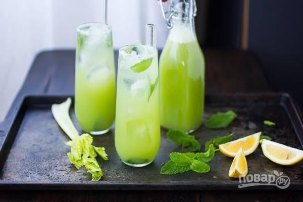Летний напиток с мятой и сельдереем