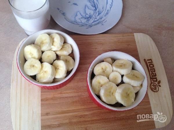 7. Красиво разложим кружочки банана.