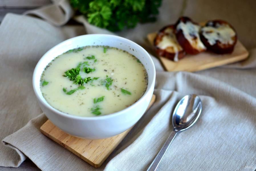 Сырный  cуп-пюре с картошкой и цветной капустой