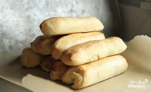 9. После остудите булочки, и можете приступать непосредственно к приготовлению хот-догов. Приятного аппетита!