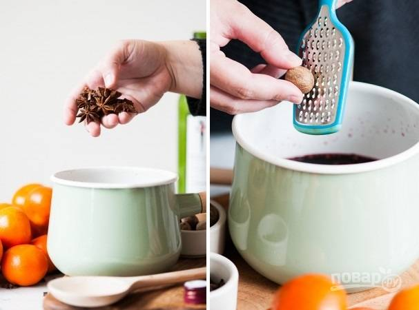 4. Добавьте анис, гвоздику, ваниль и корицу. Натрите немного мускатного ореха.
