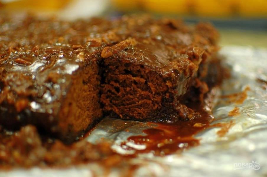 9.Остывший пирог нарежьте кусочками и подавайте.