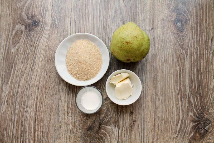Подготовьте все необходимые ингредиенты для приготовления десерта из груши в микроволновке.
