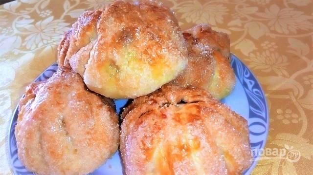 Десерт из запеченных яблок в тесте
