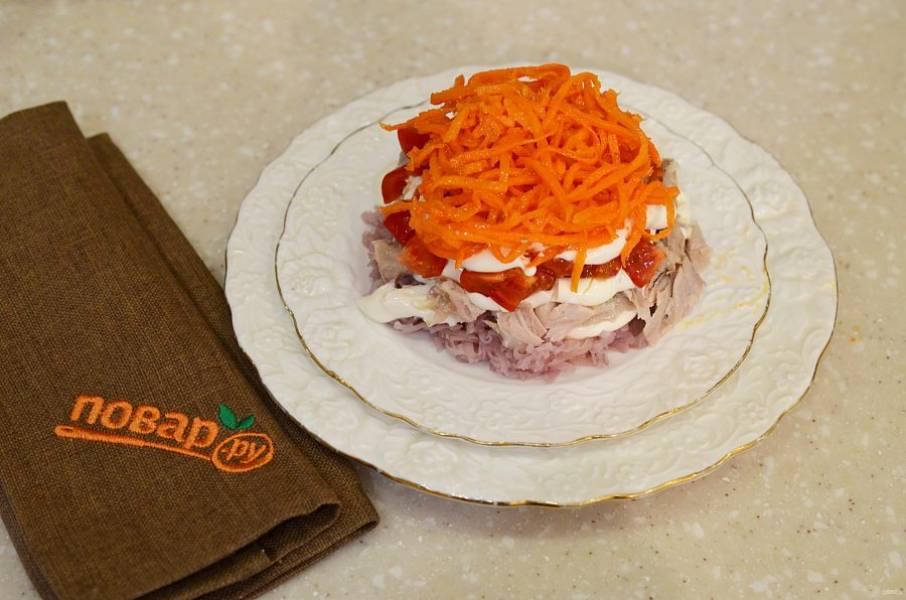 4. И сверху морковь по-корейски.
