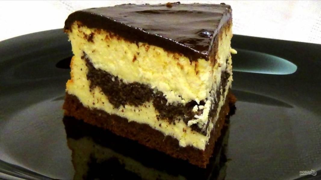 9. Поставьте сырник в холодильник на 8 часов после застывания помадки. С охлажденного сырника снимите форму. Приятного аппетита!