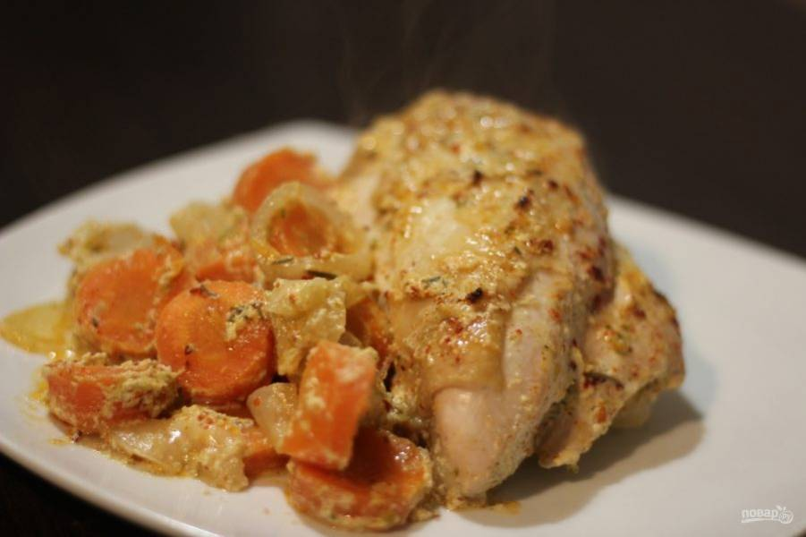 9. Вот у нас получилось не только мясо, но и гарнир из овощей. Можно добавлять картофель и другие овощи по вкусу.