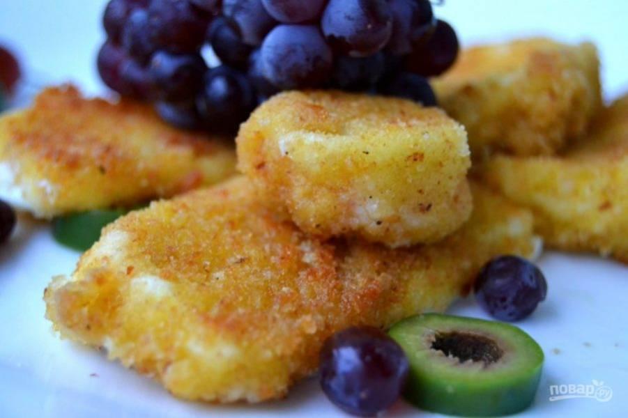 10.Подавайте сыр сразу же после обжаривания, приятного аппетита!