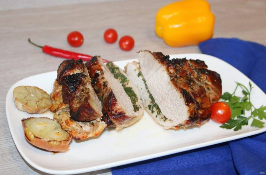Мясо подавайте горячим, с любимым гарниром.