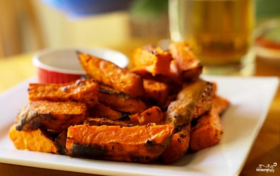 Запеченный сладкий картофель с пряностями