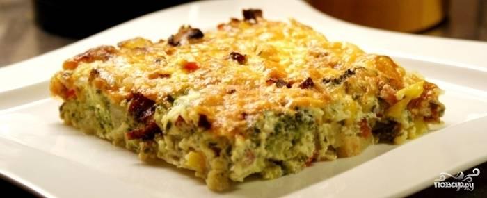 8. Опята с картошкой готовы! При желании можно украсить блюдо зеленью. Приятного аппетита!