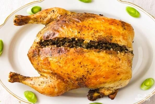 Фаршированная курица грибами и гречкой