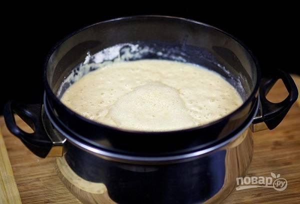 9. Все, тесто готово. Теперь разогрейте немного растительного масла на сковороде.