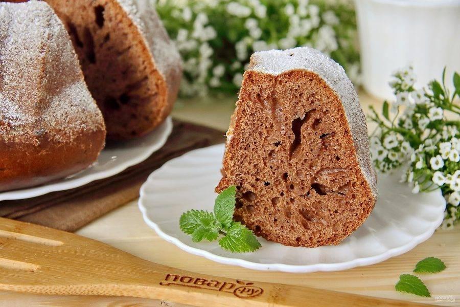 По желанию украшаем кекс сахарной пудрой или любой любимой глазурью. Приятного аппетита!